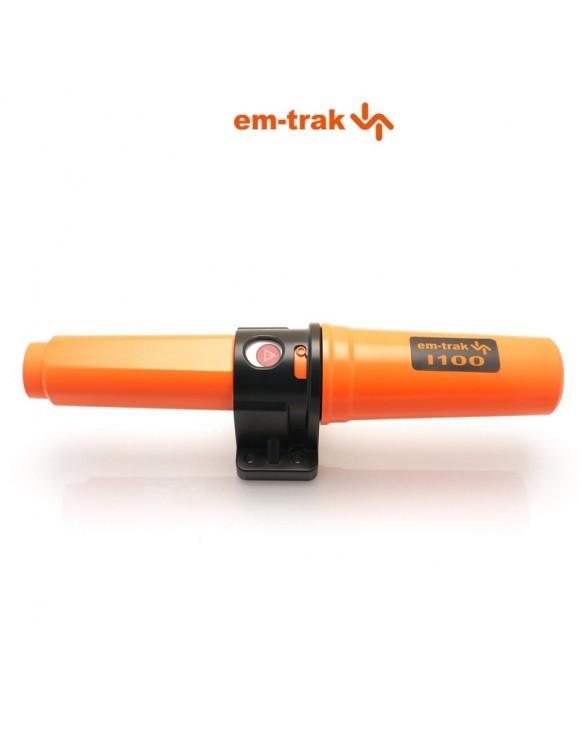 Identificador AIS marca em-trak modelo AIS I100 con GPS y antena VHF integrados.