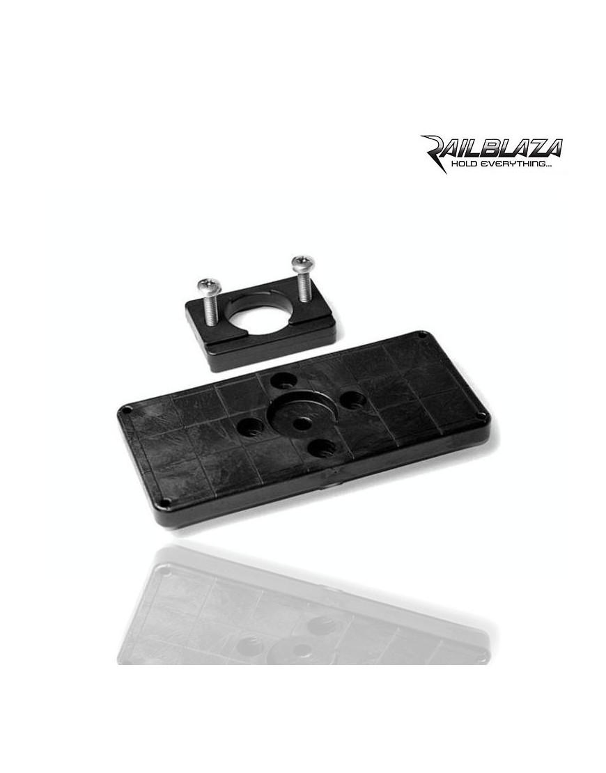 PLACA PARA ATORNILLAR ACCESORIOS RAILBLAZA Mounting Pad 150X70
